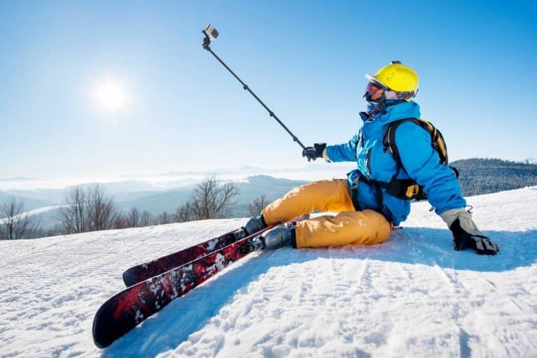 skieur qui prend un selfie